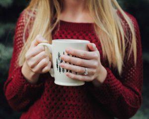 politesse étiquette bonnes manières protocole fiançailles mariage Rothschild guide expert spécialiste coach bonnes manières bague de fiançailles nadine de rothschild