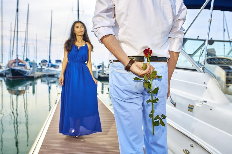 fiançailles invité parfait parotocole politesse bonnes manières nadine de rothschild baronne recevoir fête célébration messe de fiançailles