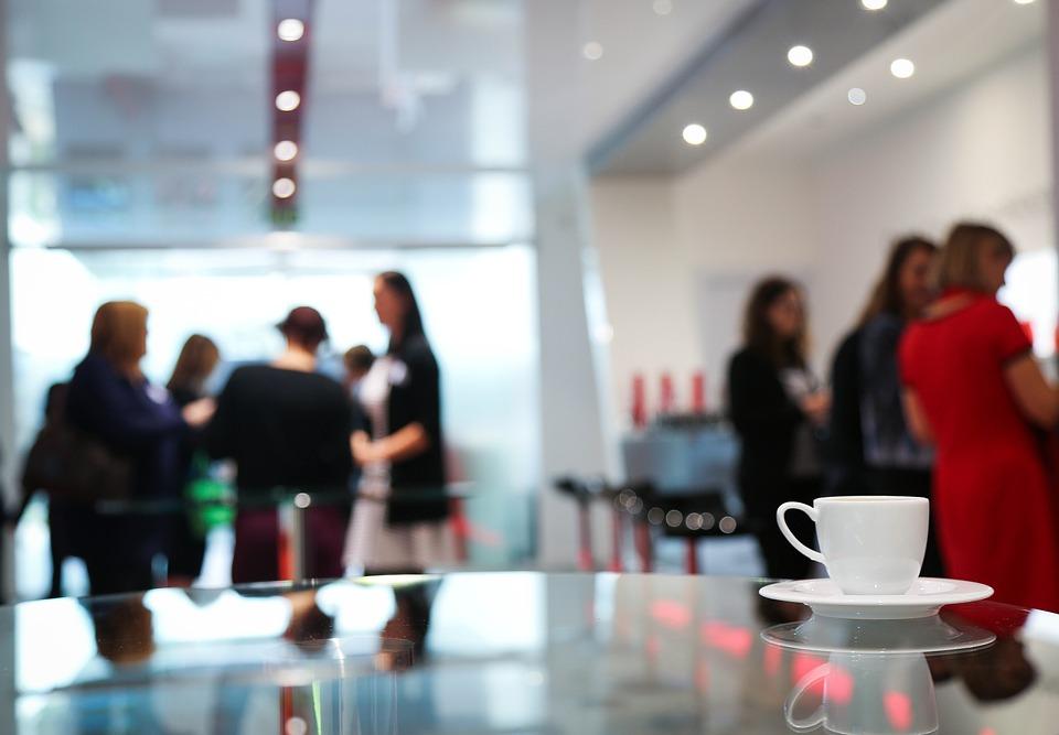 sujet conversation travail bureau laurance caracalla clients carnet savoir-vivre bureau étiquette protocole travail open-space