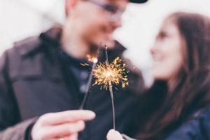 célébration de fiançailles protocole mariage usages galanterie bonnes manière gentleman parents codes bienséance étiquette baisemain coach bonnes manières entreprise hanna gas expert guide professionnel
