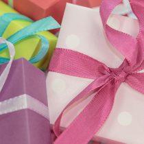 refuser un cadeau refuser cadeau noel, refus cadeau chèque, voisine cadeau trop, enfant cadeau argent étiquette politesse bonnes manières