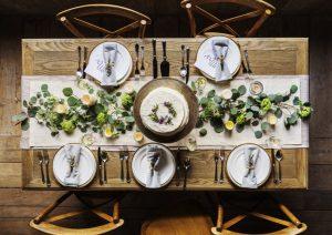 fourchette et couteau politesse protocole bonnes manières arts de la table comment se tenir étiquette savoir-vivre spécialiste