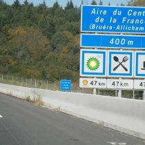 aires d'autoroute traditiosn convenances aristocratie snob chateau vacances cours travail netiquette