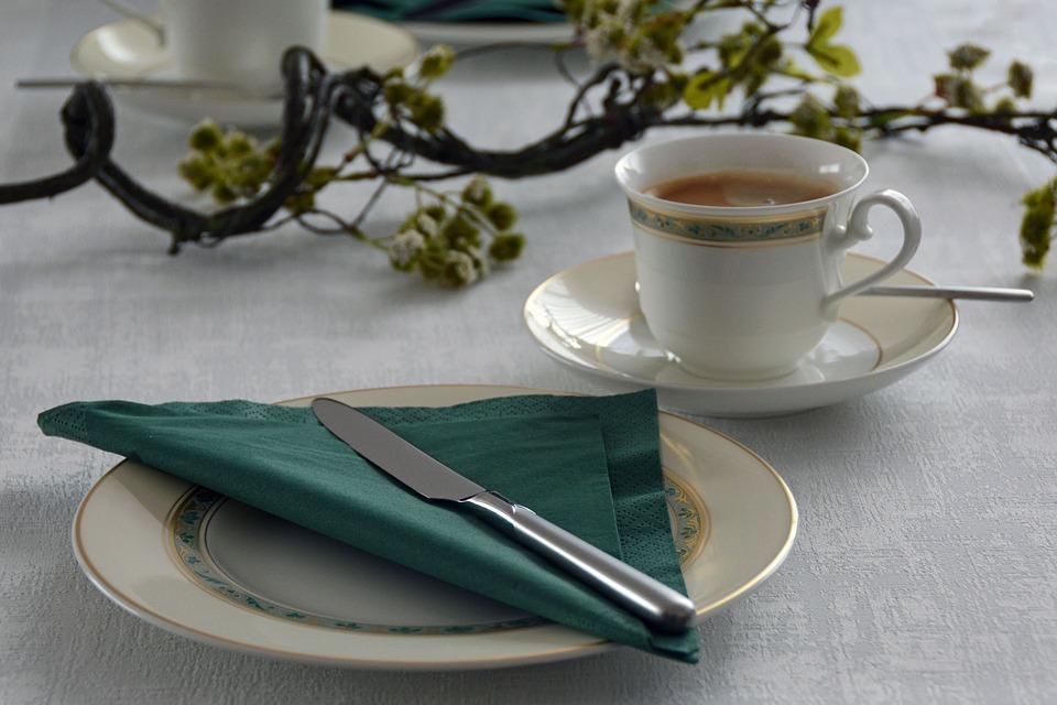 12 r gles de politesse table ou comment para tre bien - Les bonnes manieres a table en france ...