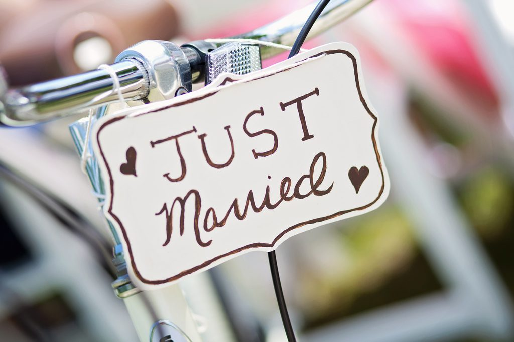 quel cadeau convient il d 39 offrir pour un second mariage apprendre les bonnes mani res. Black Bedroom Furniture Sets. Home Design Ideas