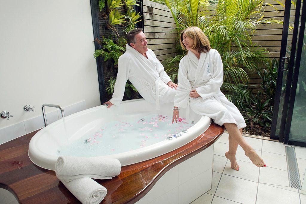 bonnes manières en couple protocole couple galanterie wc salle de bain toilettes