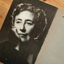 leçons de bonnes manières par Agatha Christie lady gentleman politesse cours guide livre roman reine du crime politesse étiquette savoir-vivre protocole hommages apprendre bonnes manières galanterie miss marple poirot belge