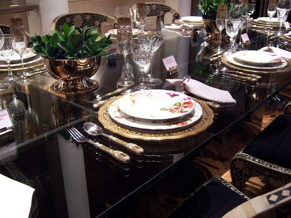 comment se tenir convenablement table r ponse en 15. Black Bedroom Furniture Sets. Home Design Ideas