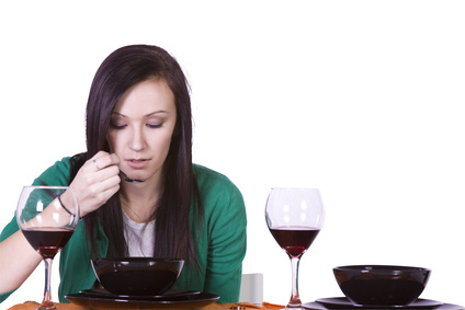 étiquette lady restaurant, dîner au restaurant entre amis règles de savoir-vivre, politesse et bonnes manières déjeuner resto entre amies femmes