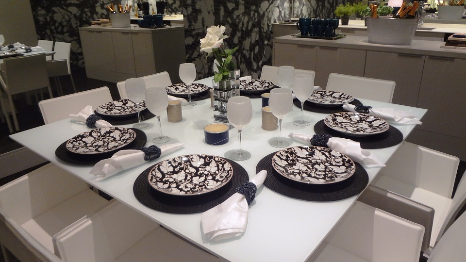 d couvrez 5 infos originales sur les arts de la table apprendre les bonnes mani res. Black Bedroom Furniture Sets. Home Design Ideas