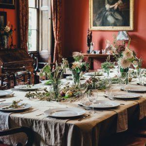 fourchette et couteau politesse protocole bonnes manières arts de la table comment se tenir étiquette savoir-vivre