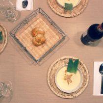 pires places à table pires places à table protocole savoir-vivre recevoir invité comment apprendre bonnes manières étiquette leçon expert manuel livre conseil astuces femme beinsénace courtoisie usages codes mondains