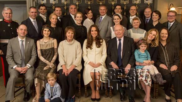 Downton Abbey kate middelton duchesse série tv bonnes manières étiquette savoir-vivre protocole aristocrate coach spécialiste expert